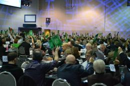 Delegates take a vote on one of the policy motions (Photo: Chris Chang-Yen Phillips)
